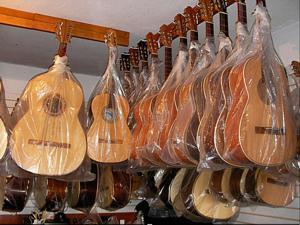 Michoacán.- Guitarras de Paracho