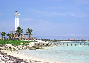 Faro y muelle info@blueplayarealestate.com Properties for sale in Playa del Carmen Blue Playa Real Estate
